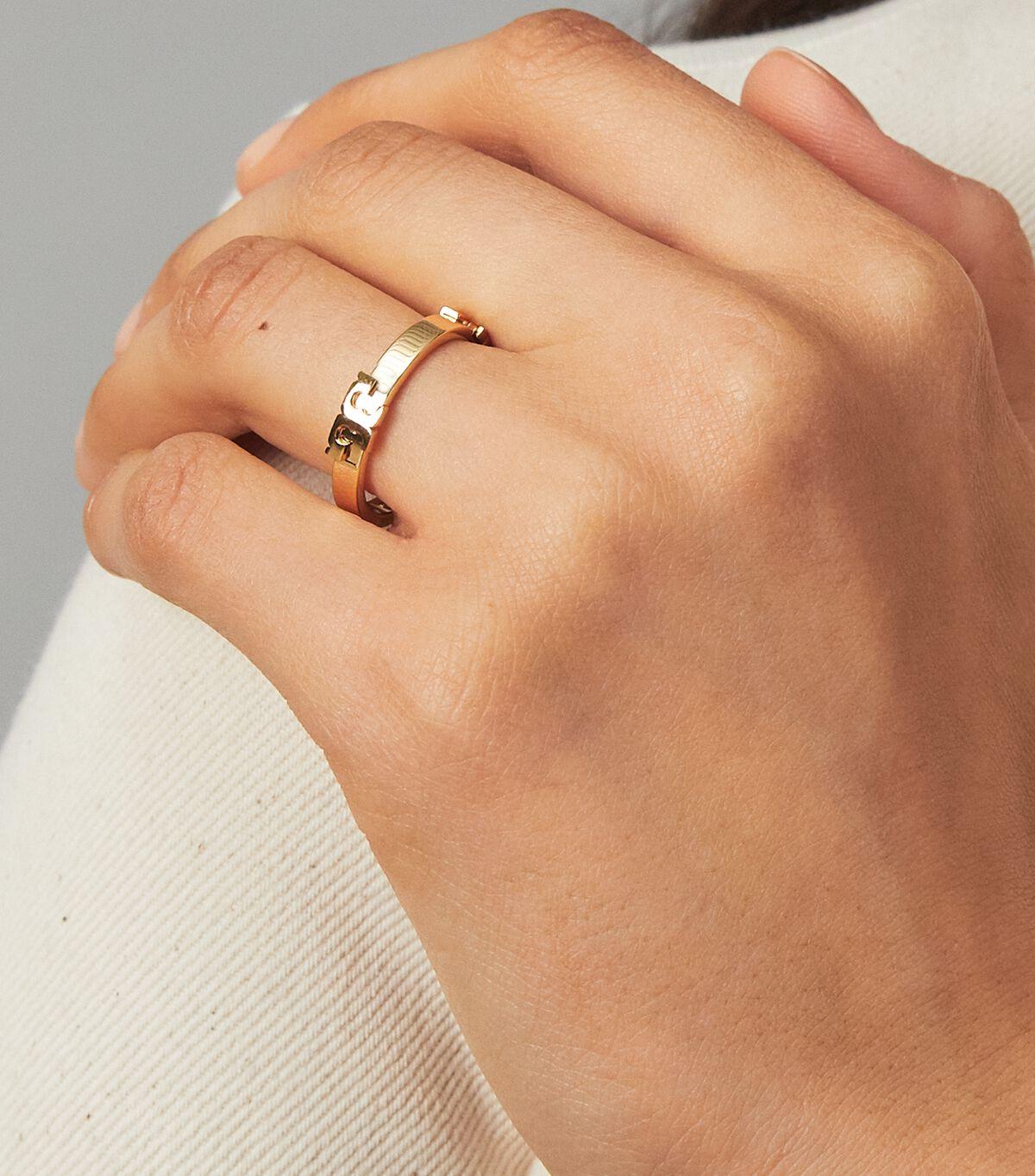 Serif-T Stackable Metal Ring