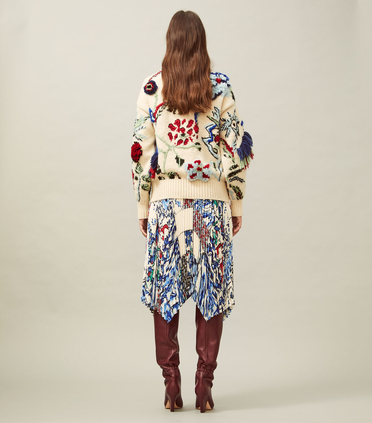 HAND-KNIT INTARSIA EMBROIDERED SWEATER